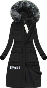 Czarny płaszcz ljr bez wzorów