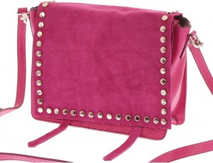 698b6c24be217 Różowa torebka vera pelle w młodzieżowym stylu