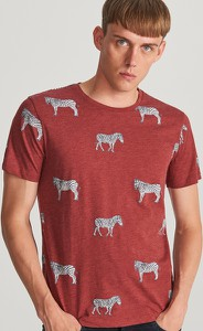 Czerwony t-shirt Reserved z krótkim rękawem z nadrukiem