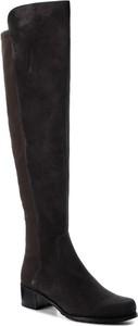 Kozaki Stuart Weitzman w stylu glamour z płaską podeszwą