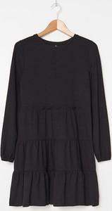 Czarna sukienka House mini z długim rękawem