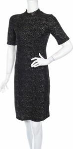 Czarna sukienka Pep mini prosta z krótkim rękawem