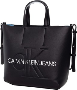 c0ddd21a4c5b8b Czarna torebka Calvin Klein z tłoczeniem duża