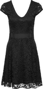 Czarna sukienka bonprix bodyflirt w koronkowe wzory
