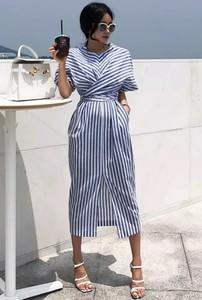 Sukienka Ivet.pl midi w stylu casual z krótkim rękawem