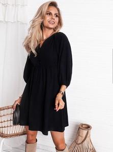 Czarna sukienka SELFIEROOM z dekoltem w kształcie litery v z długim rękawem mini