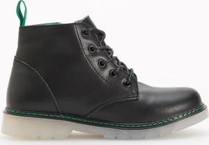 Czarne buty dziecięce zimowe Reserved ze skóry