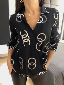 Czarna bluzka ModnaKiecka.pl w stylu casual