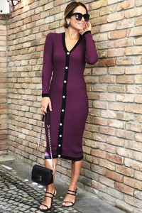 Sukienka Ivet.pl midi w stylu casual z dekoltem w kształcie litery v