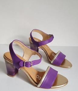 Fioletowe sandały Saway z klamrami na obcasie ze skóry
