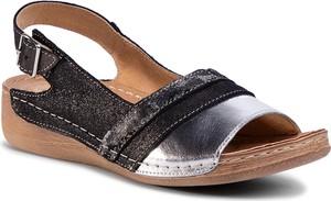 Czarne sandały Łukbut z zamszu z klamrami na koturnie
