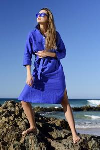 Sukienka Nessi Sportswear szmizjerka z dekoltem w kształcie litery v z długim rękawem