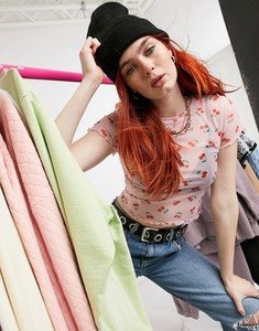 Różowy t-shirt Asos z okrągłym dekoltem z krótkim rękawem