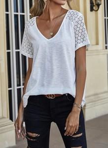 Bluzka Sandbella z dekoltem w kształcie litery v z krótkim rękawem