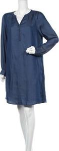 Niebieska sukienka Cecil z długim rękawem z dekoltem w kształcie litery v