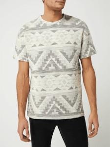 T-shirt Review z nadrukiem w młodzieżowym stylu