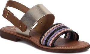 Sandały Maciejka w militarnym stylu z płaską podeszwą z klamrami