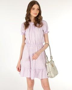 Różowa sukienka Unisono z krótkim rękawem z tkaniny mini