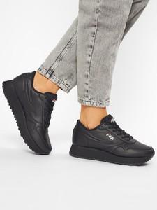 Czarne buty sportowe Fila z płaską podeszwą sznurowane