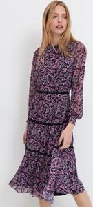 Sukienka Mohito midi z długim rękawem z dekoltem w kształcie litery v