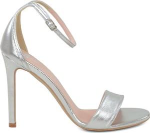 Srebrne sandały Gassu w stylu klasycznym z klamrami ze skóry