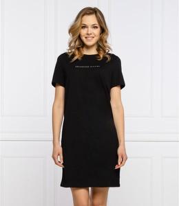 Czarna sukienka Armani Exchange z okrągłym dekoltem z krótkim rękawem prosta