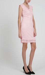 Różowa sukienka Gate
