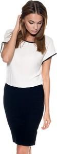 Sukienka Guess z krótkim rękawem z okrągłym dekoltem ołówkowa