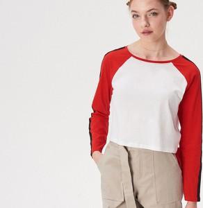 Czerwona bluzka Sinsay z okrągłym dekoltem