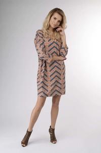 Sukienka Nommo w stylu casual z długim rękawem