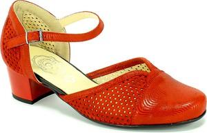 Czerwone sandały Korzeniowski z klamrami z nubuku