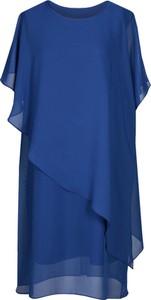 Niebieska sukienka Fokus midi z szyfonu z okrągłym dekoltem