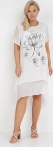 Sukienka born2be z okrągłym dekoltem z krótkim rękawem prosta