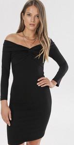 Sukienka born2be dopasowana w stylu casual mini