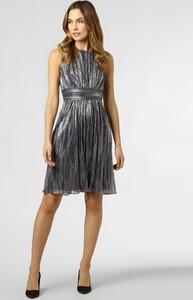 Srebrna sukienka Swing z okrągłym dekoltem bez rękawów