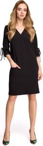 Sukienka Stylove z dekoltem w kształcie litery v w stylu casual midi