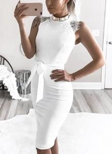 Sukienka Cikelly midi dopasowana z krótkim rękawem