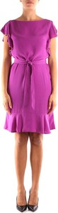 Różowa sukienka Guess z krótkim rękawem mini