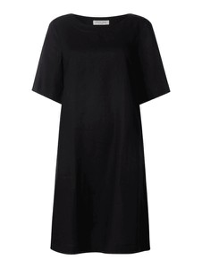 Czarna sukienka Christian Berg Women z krótkim rękawem z lnu mini