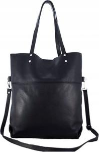 Czarna torebka TrendyTorebki w wakacyjnym stylu