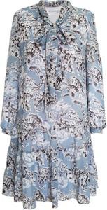 Sukienka VitoVergelis w stylu casual mini z żabotem