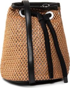 Brązowa torebka eobuwie.pl średnia na ramię w wakacyjnym stylu