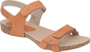 Brązowe sandały VERONII w stylu casual z płaską podeszwą
