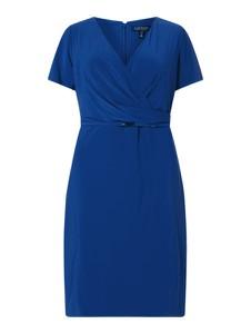 Niebieska sukienka Ralph Lauren z dekoltem w kształcie litery v z krótkim rękawem