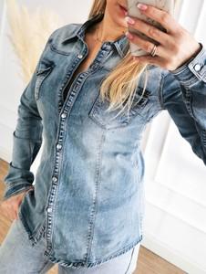 Niebieska koszula Perfe z jeansu w stylu casual