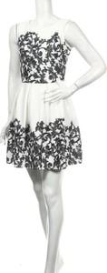Sukienka Eso Line mini bez rękawów