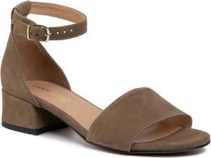 Brązowe sandały Lasocki z klamrami