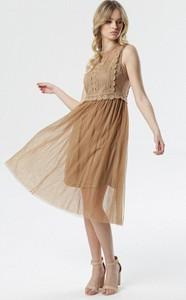 Brązowa sukienka born2be bez rękawów rozkloszowana