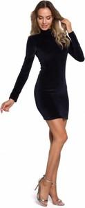 Czarna sukienka MOE mini z długim rękawem z weluru