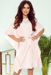 Różowa sukienka NUMOCO w stylu casual mini